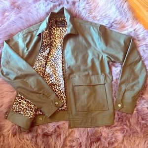 🆕Urban Outfitters green khaki jacket/ leopard 🐆